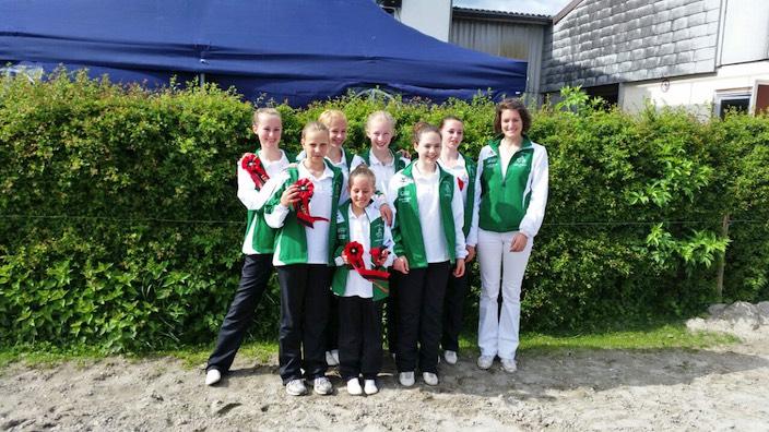 Team 4 von Voltige Interlaken nach dem Silbergewinn beim CVN in Lengnau