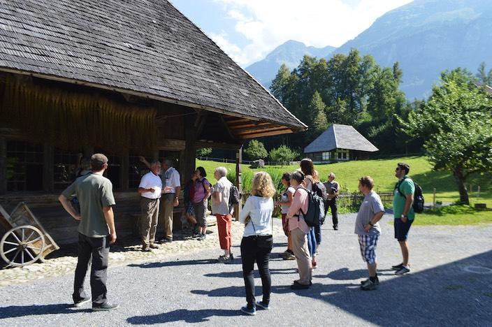 Der Gemeinderat Beatenberg, die Verwaltung, der Vorstand von Beatenberg Tourismus und das Büro-Team machten einen gemeinsamen Ausflug ins Freilichtmuseum Ballenberg.