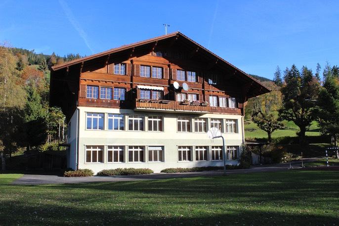Das Schulhaus Schmocken in Beatenberg wie es heute aussieht.