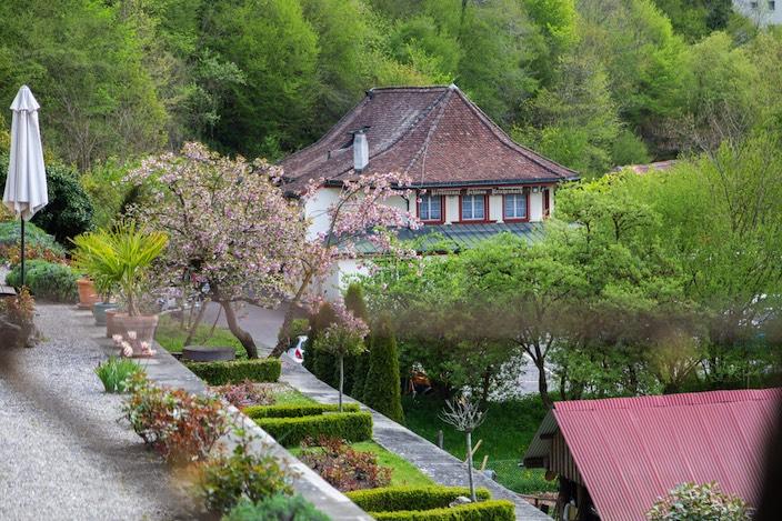 """View from Reichenbach Castle to the """"Zum Schloss Reichenbach"""" restaurant below."""