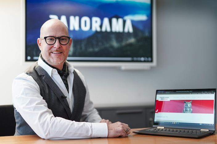 Walter A. Balmer freut sich über die Kombination seines Angebots mit den Videoinhalten der Jungfrau Zeitung, da beide Unternehmen den Fokus aufs Regionale legen.