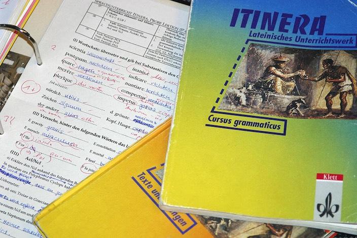 Jungfrau Zeitung - Erfolgsfaktor: Die Sprache der alten Römer