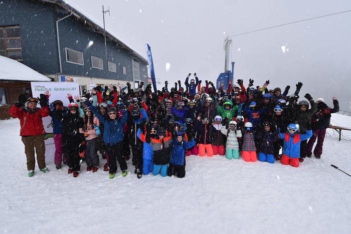 Rund 100 Kinder genossen den Skitag am Hasliberg.