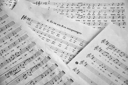 Alphorn Weihnachtslieder.Jungfrau Zeitung Gesang Unterstützt Von Klavier Orgel Und Alphorn