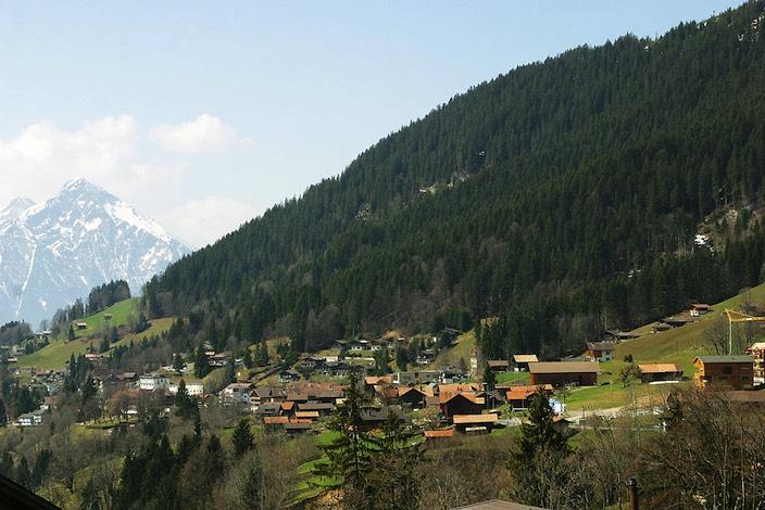 Weniger Einwohner in Beatenberg: Im vergangenen Jahr sind vier Kinder zur Welt gekommen, während elf Gemeindemitglieder verstarben.