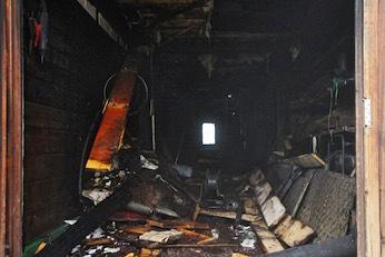 Werkzeuge und Stallinventar sind im Feuer vernichtet worden.