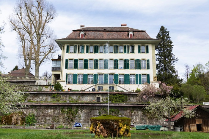 Reichenbach Castle in Zollikofen is the headquarters of the court weavers.