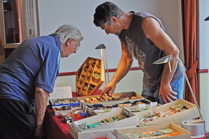 Die Auswahl an der Mineralienbörse der Hasli-Strahler erstaunte so manchen Besucher.