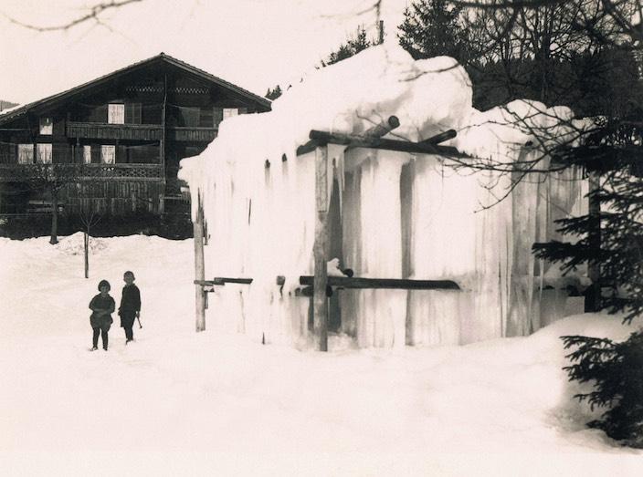 Der Eisgalgen diente der Gewinnung von Eisstangen, die zur Kühlung von Lebensmitteln gebraucht wurde.