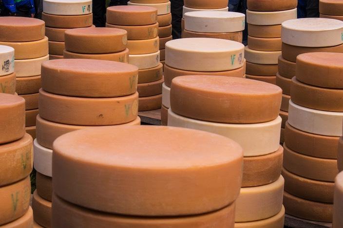 Rund 30 Tonnen Käse werden am Chästeilet im Justistal verteilt.