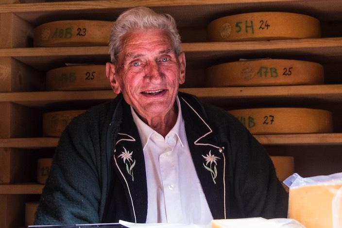 Ernst Kämpf (81) war 23 Sommer als Bergwart auf der Alp «Grosser Mittelberg».