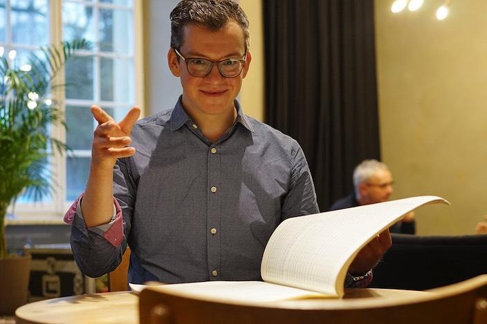 Im Januar wird der Sänger und Dirigent Patrick Secchiari (39) gleich mit mehreren grossen Projekten ins Berner Oberland zurückkehren.