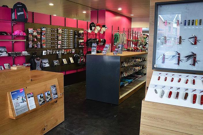Ab kommenden Montag wartet der umgebaute Shop der Schilthornbahn am Höheweg 2 in Interlaken auf Kundschaft.